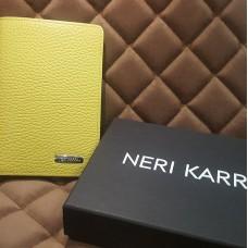 Обложка для паспорта NERI KARRA ( нат.кожа ) желтый/ зеленый